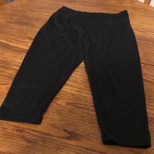 Solid Black Capri Leggings, EUC